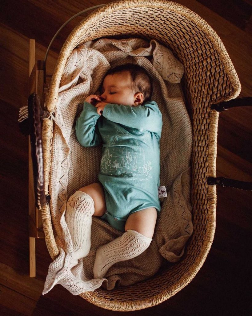 tips to transition baby from bassinet to crib